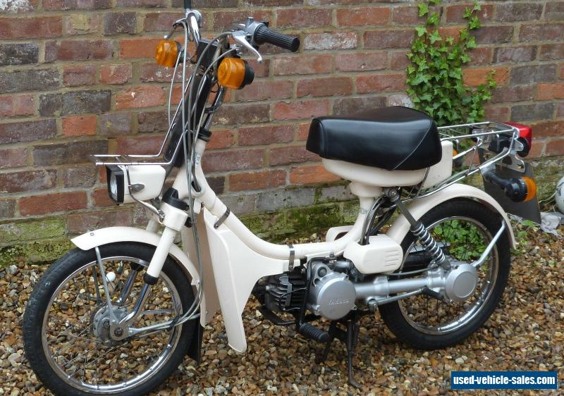 Can I Ride A Moped With My Car Licence