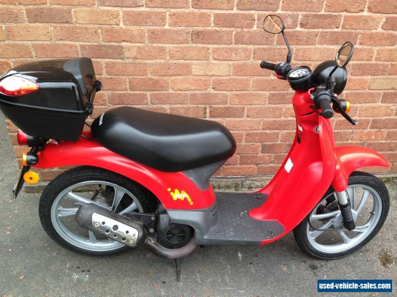 used scoot coupe for sale 50cc scoot coupe for sale low miles used at a great deal scoot coupe. Black Bedroom Furniture Sets. Home Design Ideas