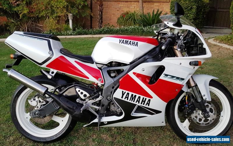 1993 yamaha tzr 250 r for sale in canada. Black Bedroom Furniture Sets. Home Design Ideas