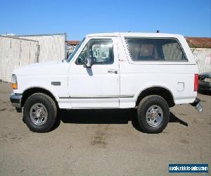1993 Ford Bronco 4x4 Sport Utility XLT